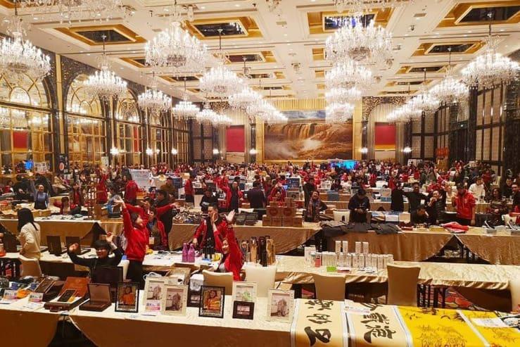 15 декабря 2019 года. Сумасшедшие покупки с помощью ONE на выставке электроники Shanxi - Dealshaker Expo Shanxi China с объемом продаж более 18,3 млн евро.